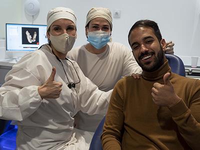 paciente_de_implante_dental_en_tarragona_con_la_Dra_Timoneda