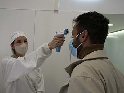 ismael_paso_todo_el_protocolo_anti_covid_19_al_llegar_al_dentista_en_tarragona