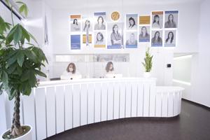 recepción Clinica Dental Montse Timoneda en Tarragona